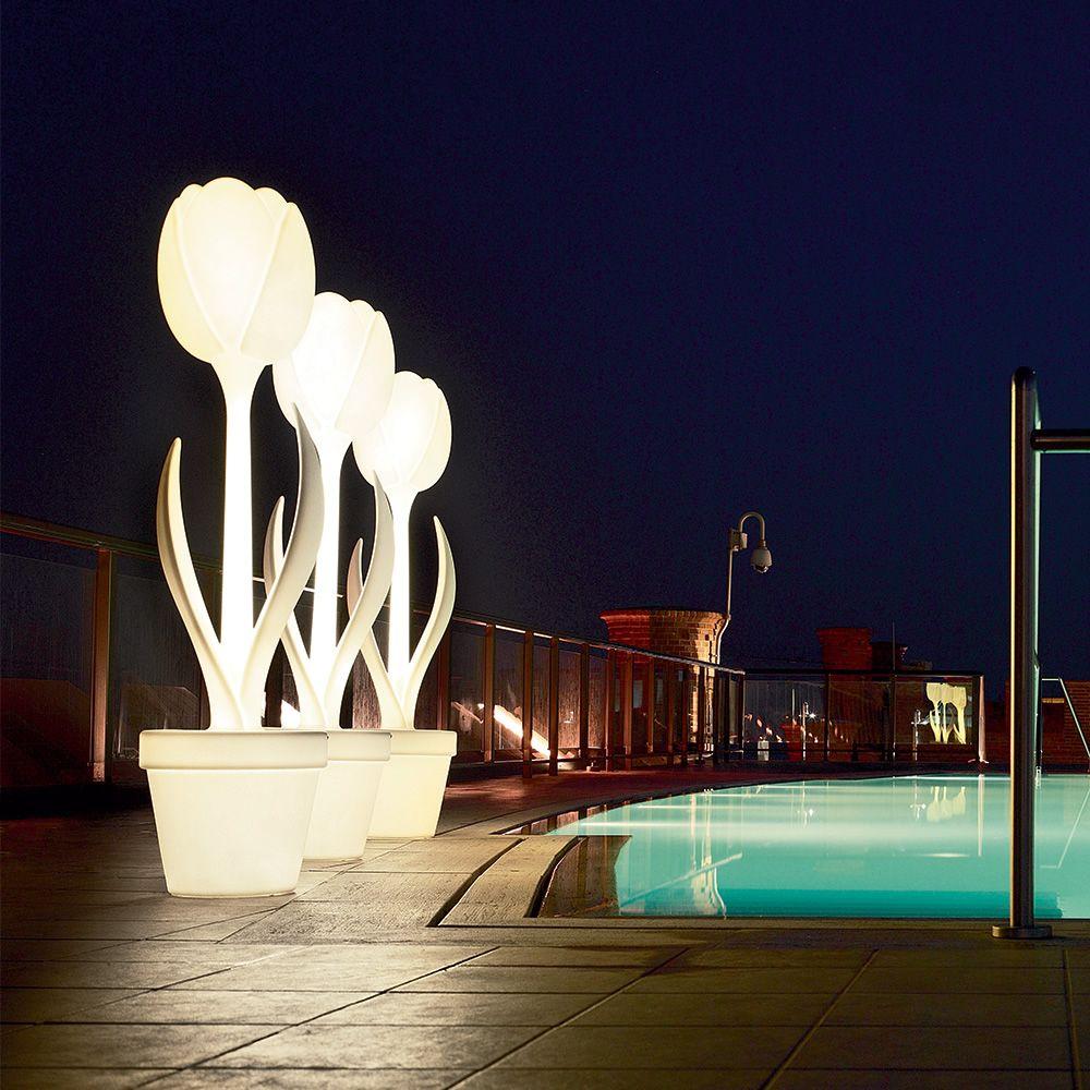 Tulip-xl-lu-lampe-de-sol-design-en-poleasy-aussi-pour-l-exterieur